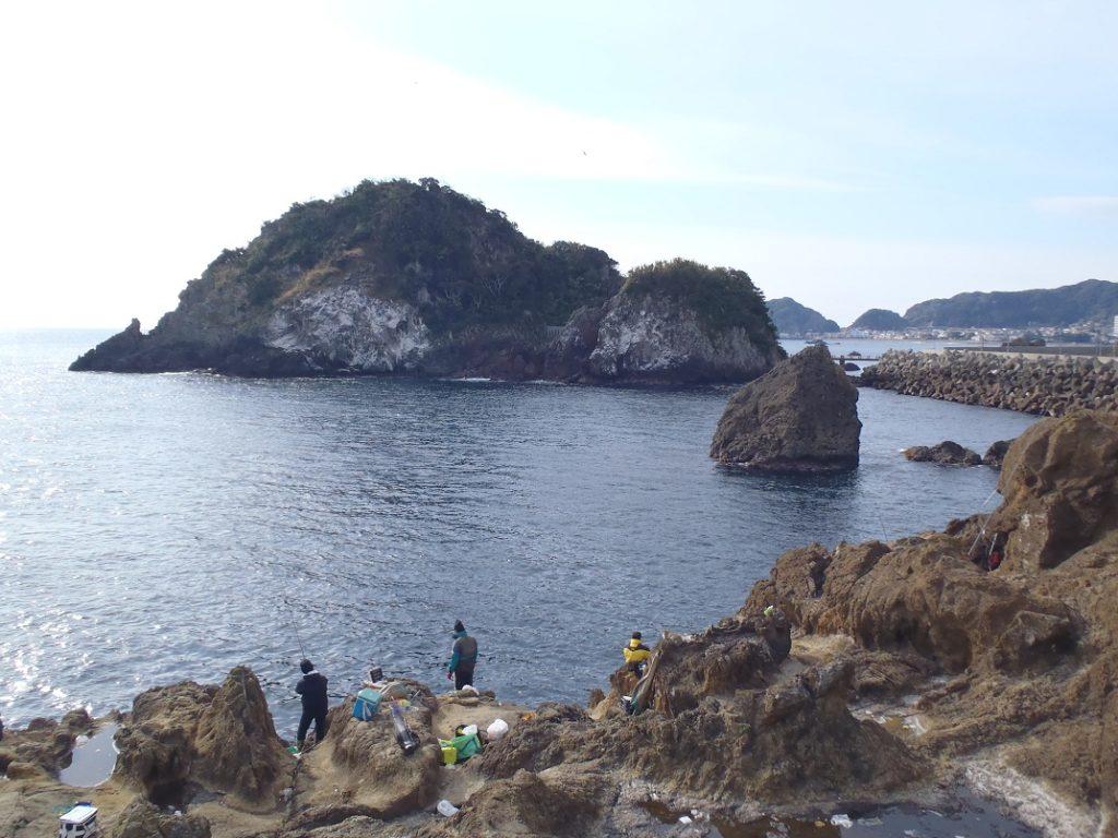 千葉カンパチポイント 鴨川市 弁天島と灯台島 おかっぱりからカンパチが狙える名所!