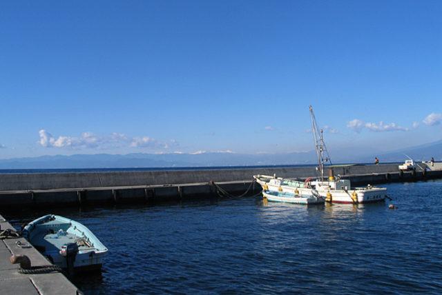 沼津 アオリイカ エギングポイント 静岡県沼津市 平沢漁港 足場の良くアオリイカの数釣りが楽しめるポイント!
