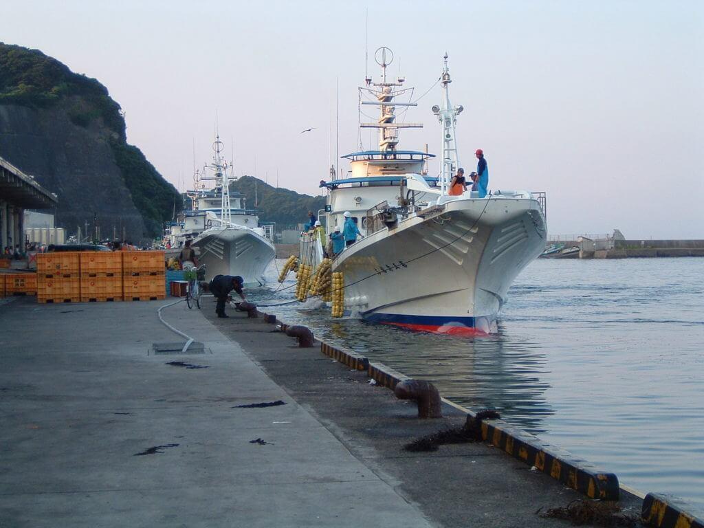 千葉ライトショアジギングポイント 千葉県勝浦市 勝浦漁港