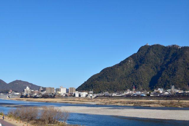 長良川 バス釣りポイント 10選!