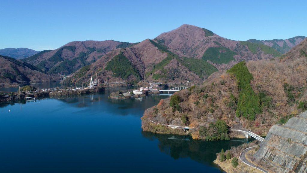 丹沢湖バス釣りポイント10選 攻略法やおすすめルアー,おかっぱりポイントも紹介!