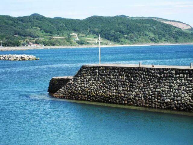 吹上浜シーバス釣りポイント吹上防波堤 冬の産卵シーバスを狙え!