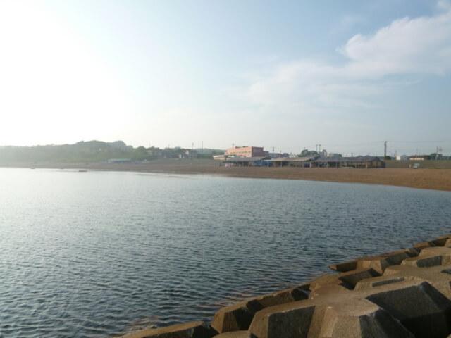 浜地海水浴場シーバス釣りポイント 産卵を控えたシーバスの捕食エリア!
